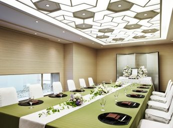 ホテル阪神 宴会場 「サロンバール」